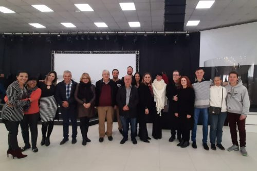 Presos participam de curso religioso em projeto de ressocialização